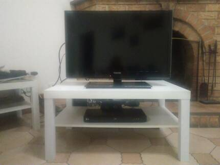 "TV 32"" & Bluray DVD player"