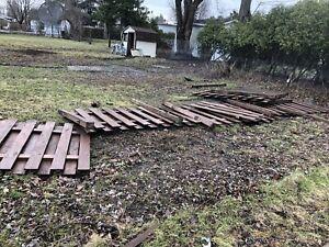 Bois de clôture à donner
