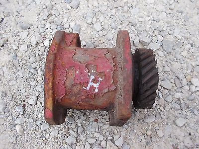 Farmall H Early Sh Tractor Originl Ih Engine Motor Distributor Drive Assembly