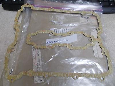 NOS OEM <em>YAMAHA</em> CYLINDER HEAD COVER GASKET 1973 1975 TX500 XS500 371 11