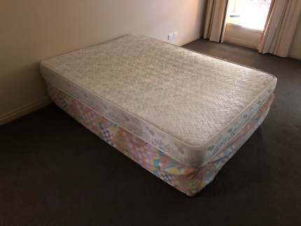 Double bed + base for free