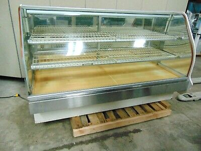 79 Refrigerated Deli Display Case With 2 Sets Of Shelves Cools Down Sr730
