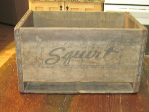 VTG 1950 SQUIRT WOODEN BOX CRATE POP SODA CASE CARRIER WOOD OLD USA