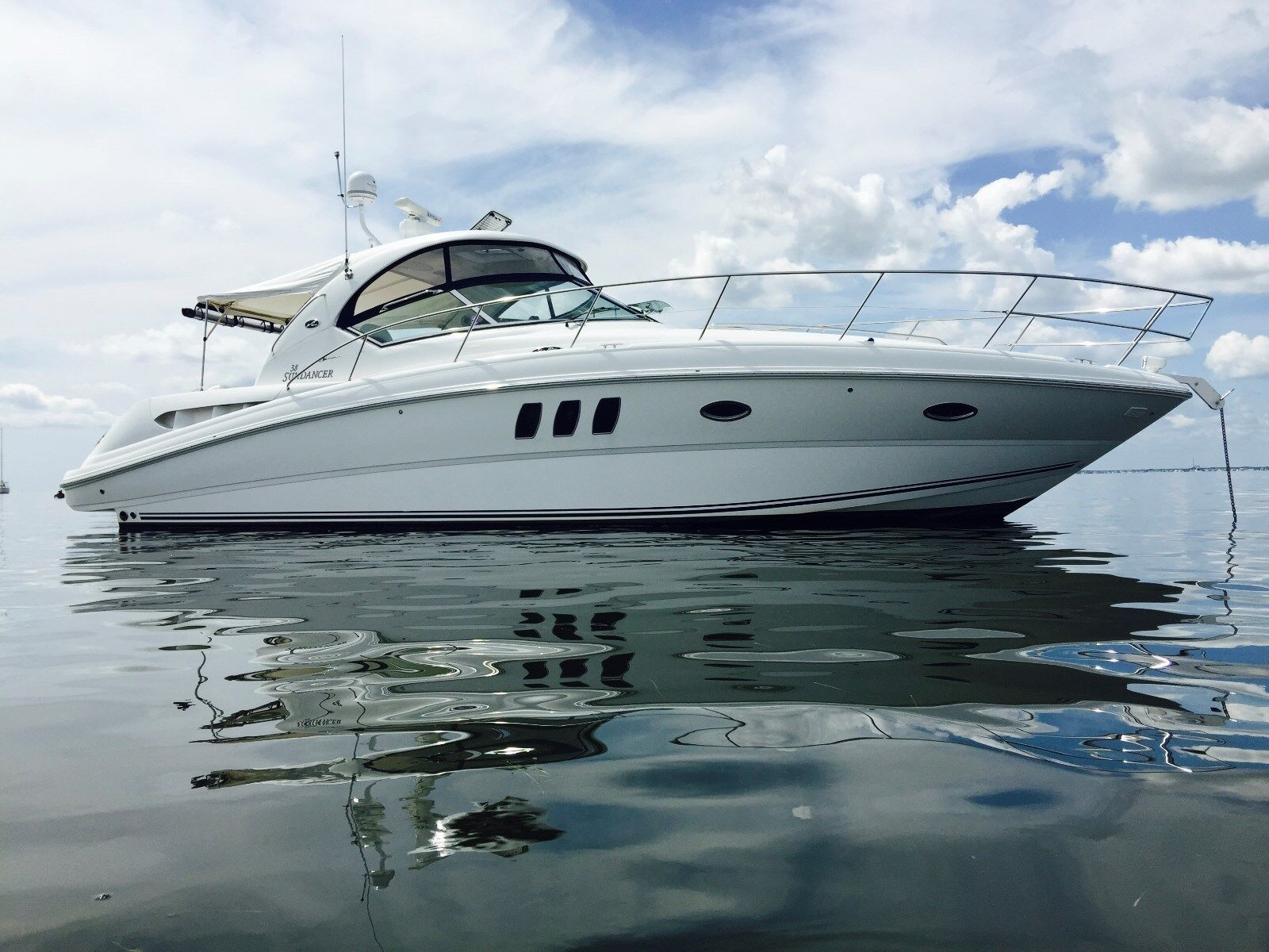 2006 Sea Ray 38 Sundancer ton of upgrades 8.1horizon high output only one out th