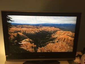"Moving Sale - Panasonic 30"" TV in excellent conditions"