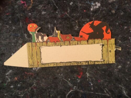 VINTAGE HALLOWEEN PLACE CARD WITCH FLYING OVER TOWN MINT VERY DETAILED USA MADE