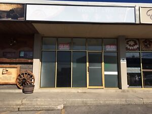 GREAT STORE FRONT LOCATION FOR LEASE!!