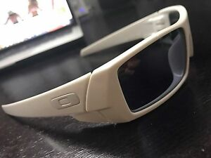 Men's Oakley Sunglasses - White Hectorville Campbelltown Area Preview