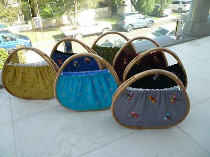 BULK 20 Bag's Embroaded & BEADED SILK & WICKER WOMAN'S BAGS NEW Bronte Eastern Suburbs Preview