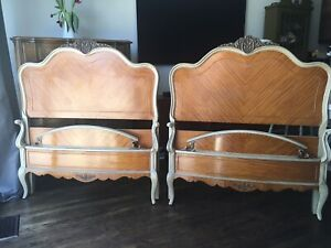 Delivery - pair of antique French twin beds