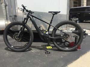 Specialized Turbo Levo Hardtail Comp 6Fattie E-Mountain Bike