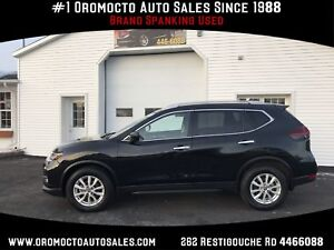 2018 Nissan Rogue SV ALL WHEEL DRIVE, WINTER TIRES,SUNROOF,BL...
