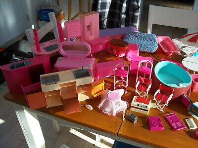 BARBIE FURNITURE AND MANY ACCESSORIES ....... VINTAGE ITEMS
