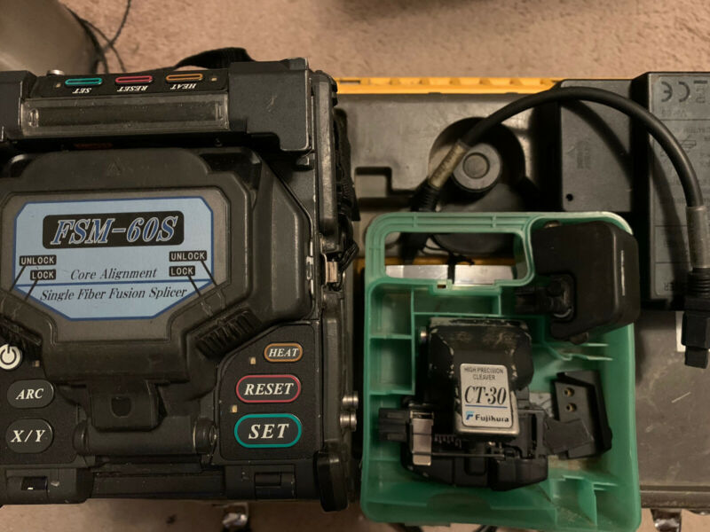 Fujikura FSM-60S Fiber Optic Fusion Splicer w/ Fujikura CT-30 Cleaver