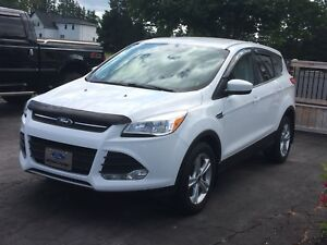 2015 FORD ESCAPE MINT CONDITION REDUCED TO $16500