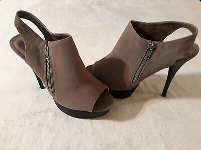 Qupid  Women Size 10 Shoes Sandals High Heels Stilettos Suede Zipper Closure