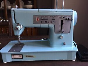 Sewing MachineVintage Singer-Perfect Condition