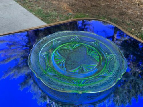 "Royal Lace Green Pair 8.5"" Luncheon Plates Hazel Atlas Depression Glass PRISTINE"