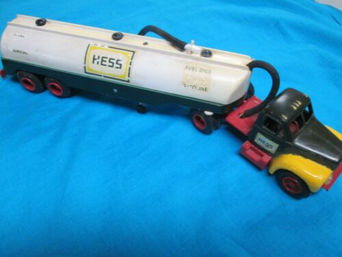 1964 Hess Truck in Reproduction Box