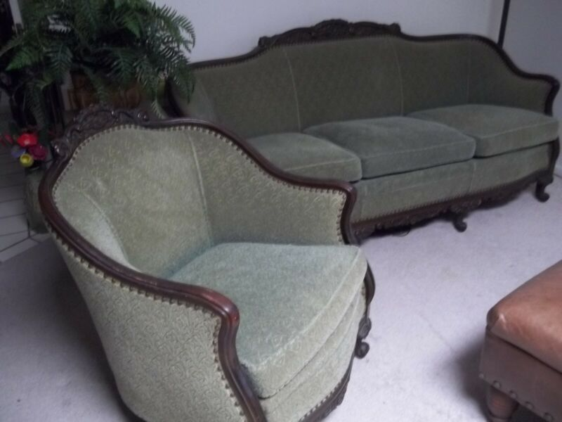 ANTIQUE VICTORIAN 2 PCS. PARLOR SET COUCH AND CHAIR