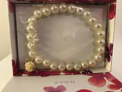 Avon Rosette Touches Collection Faux Pearl Stretch Bracelet Rose Charm New   (Faux Pearl Stretch Bracelet)