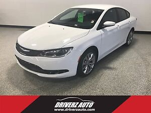 2016 Chrysler 200 S CLEAN CARPROOF, BLUETOOTH, HEATED SEATS