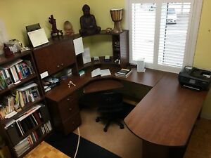 Full Office Desk Set w/ bookshelf
