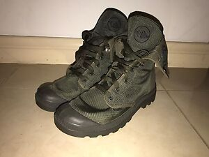 Palladium Boots Baggy Green (Brand New Condition) Glenroy Moreland Area Preview