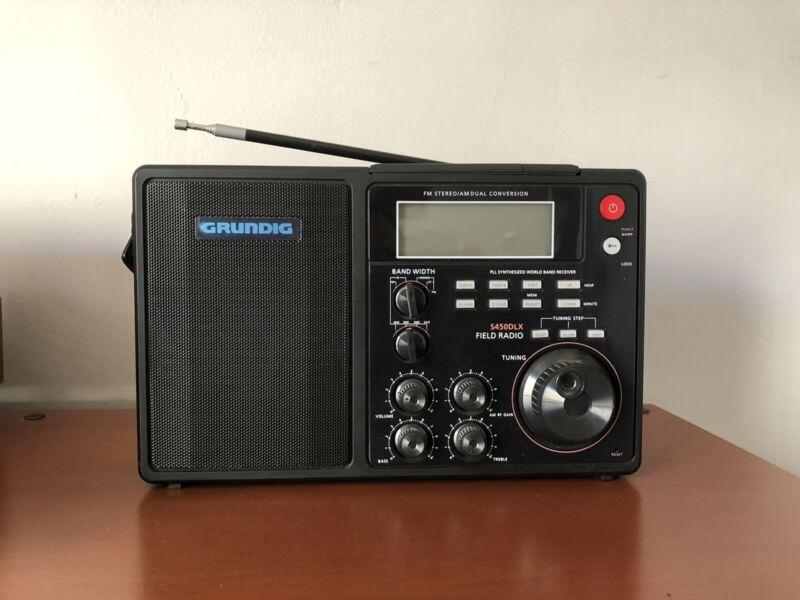 Grundig S450DLX Portable AM / FM / Shortwave Field Radio