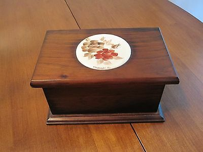 HANDCRAFTED 1980 WOOD JEWELRY TRINKET BOX FLORAL TILE INSERT