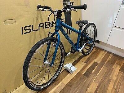 Islabike Cnoc 20 Teal Great Condition Collection only from SW12 Isla Bike Child