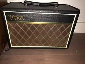 - Selection of Guitar amps for sale (Vox) - - - - -