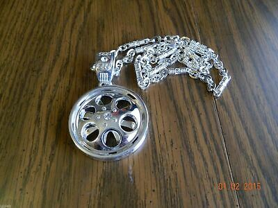 MIP-Silver Tone Car Rim SPINNER pendant w/matching 30 inch chain (circle)