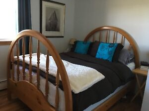 Queen headboard/baseboard and matching dresser