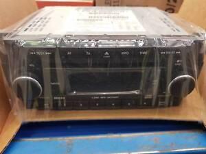 Radio AM/FM 6disc CD MP3 Jeep Grand Cherokee Commander Patriot
