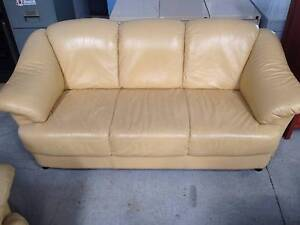 8 Seater leather lounge Port Macquarie Port Macquarie City Preview