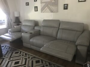 Amazing grey sofa 4pcs perfect condition