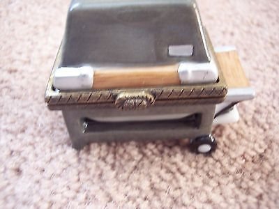 PHB Midwest of Cannon Falls Gas Grill with steak Hinged Box (Mint in its box)