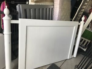 For sale: QUEEN SIZE WHITE PAINTED HEADBOARD
