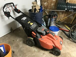 Battery operated lawn mower Black and Decker