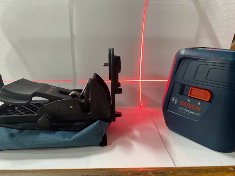Bosch Professional GLL 3-15 Self Leveling Laser w/ Mount Lightly Used