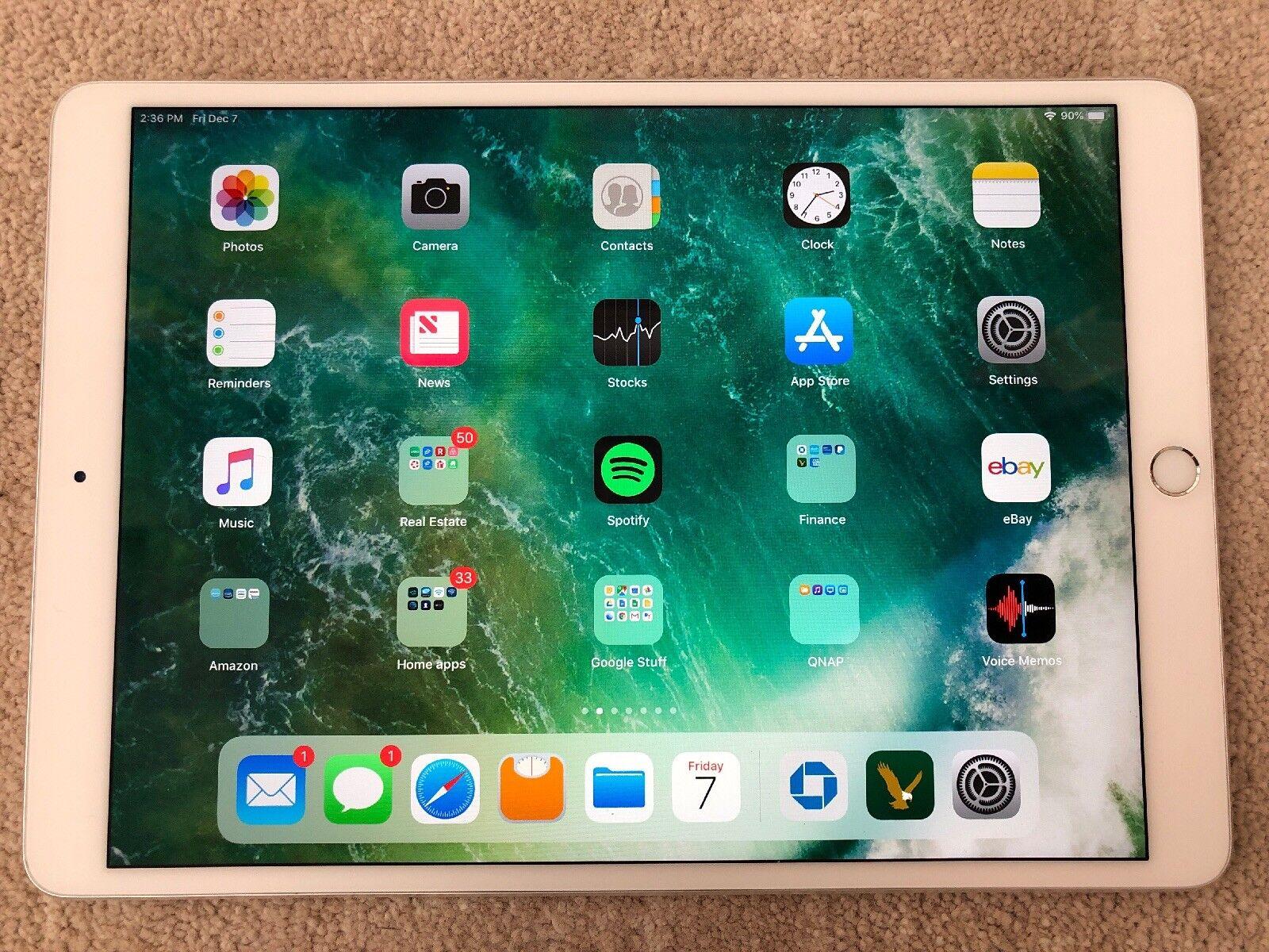 Apple iPad Pro A1701, 256GB, Wi-Fi, 10.5in - Silver, Apple Keyboard, Bundle