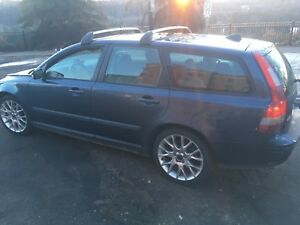 2005 Volvo V50, 5-speed Sports Wagon
