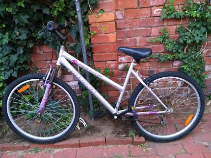 MAGNA girl bike