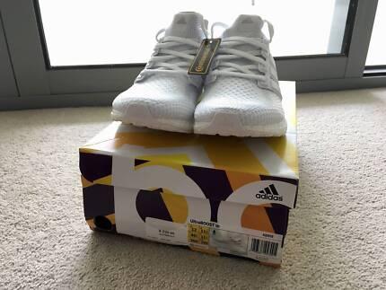 BNIB Adidas UltraBoost 2.0/3.0 Triple White US11.5/12