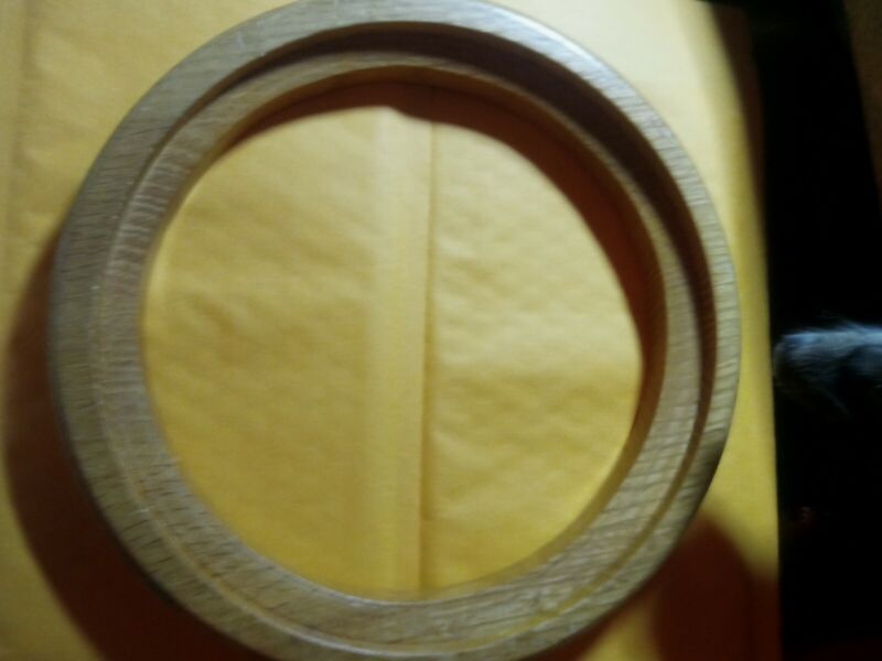 """VIN-HONEYTONED-8 3/4"""" """" ROUND SOLID WOOD PLATE FRAME FOR 71/2 """" To 7.5/8 Plate#1"""