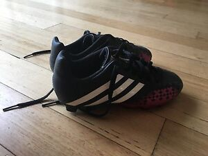 Girls soccer boots Sylvania Waters Sutherland Area Preview