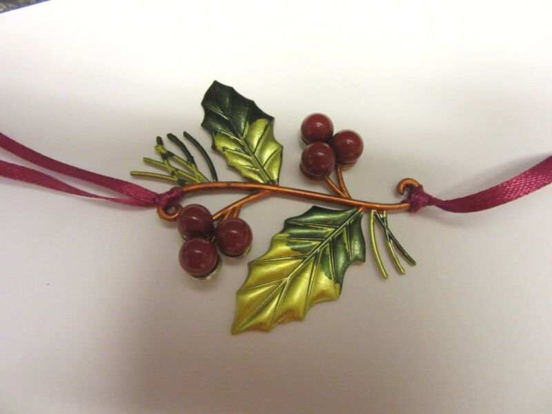 Longaberger Holly Berry Holiday Christmas Basket Tie on New In Original Box