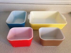 Set Of 4 Vintage Pyrex Primary Colours Refrigerator Dishes
