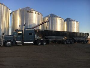 Deopker grain trailer